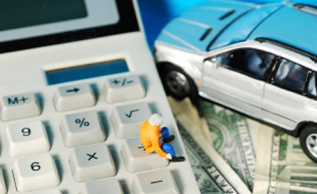 voiture, calculatrice, argent