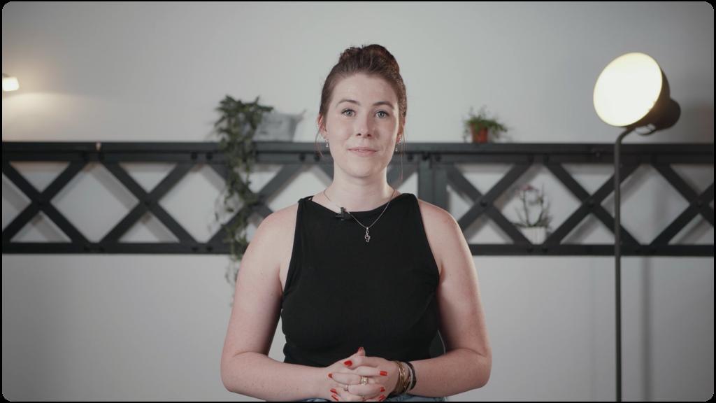 Cassandre, Brand Manager, qui présente l'application Movinmotion Salarié